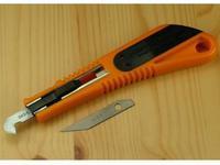Nůž k řezání a rytí plast. desek