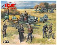 Bf 109F-2 with German Pilots & Ground Personnel