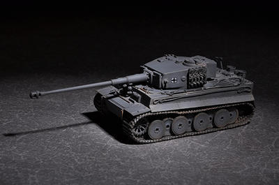 German Tiger with 88mm KwK L/71210