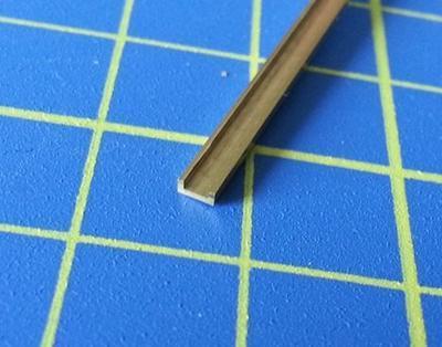 mosazný profil U 2.5x1mm délka 305mm 1ks