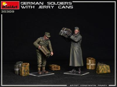 German Soldiers w/Jerrycans - 2