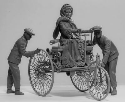 Benz Patent-Motorwagen 1886 with Mrs. Benz & Sons - 2