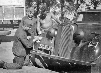 Super Snipe Saloon Brtish Staff Car - 2