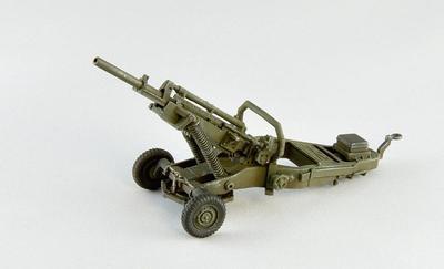 M102 105 mm Hotwizer with 5 crew - 2