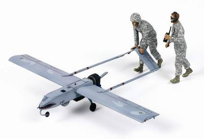 U.S. Army RQ-7B UAV + 2fig.  - 2