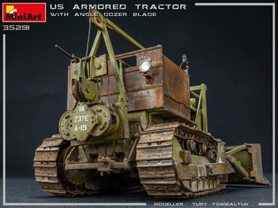U.S. Armored Tractor with Angle Dozer Blade + 1fig.  - 3