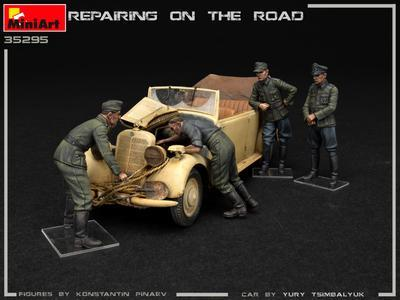 REPAIRING ON THE ROAD, TYP 170V PERSONENWAGEN CABRIO AND 4 FIGURES - 4