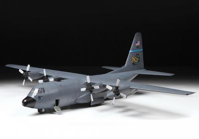 American heavy transport plane Lockheed C-130H Hercules  - 5