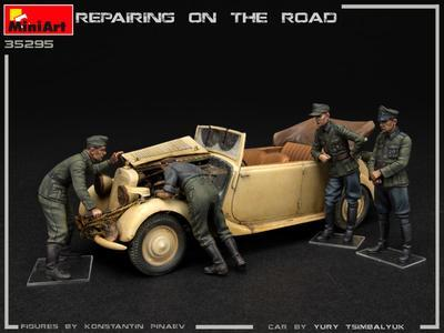 REPAIRING ON THE ROAD, TYP 170V PERSONENWAGEN CABRIO AND 4 FIGURES - 7