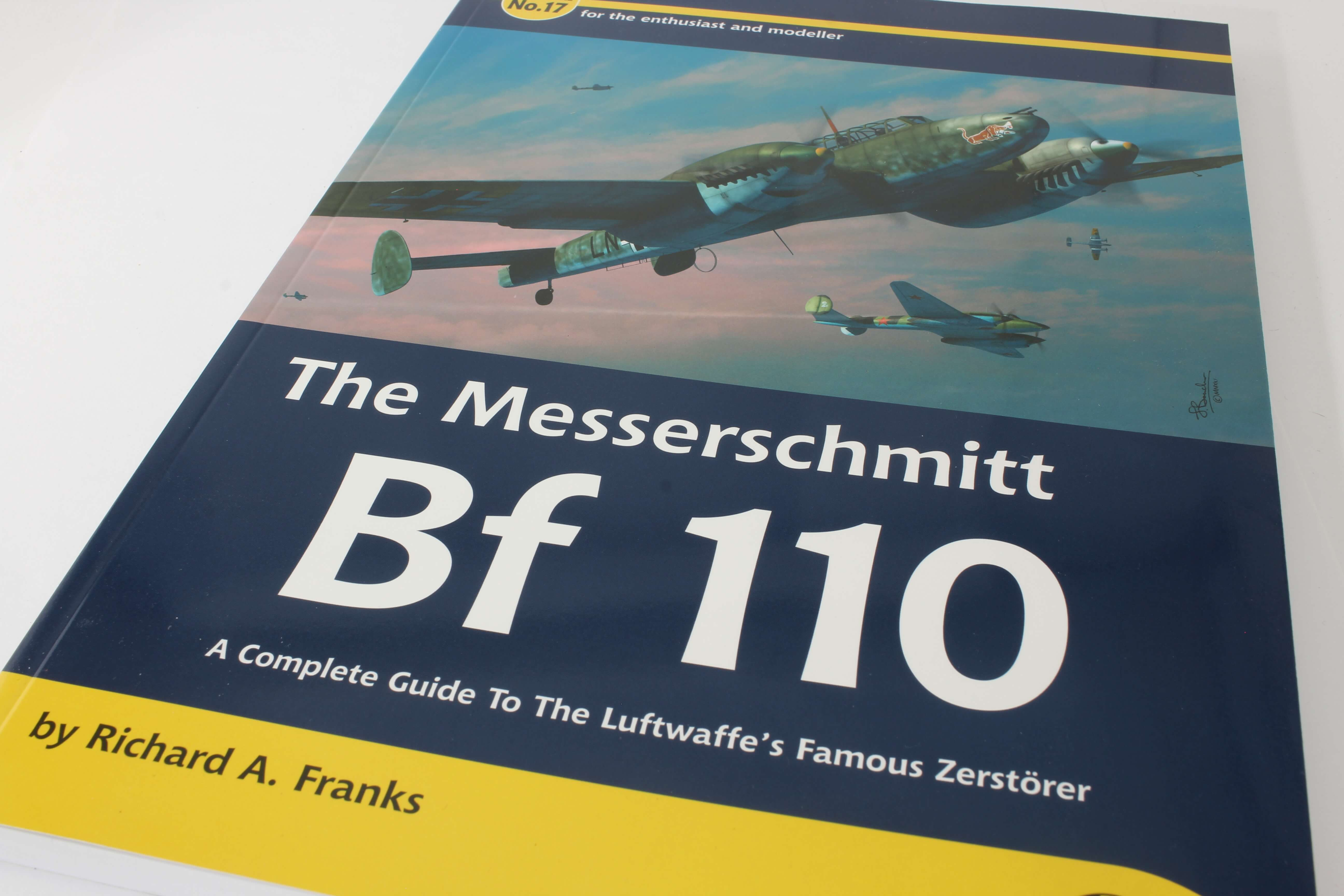 Airframe & Miniature No.17 The Messerschmitt Bf 110   – A Complete Guide To The Luftwaffes Famous Zestörer_ foto 0
