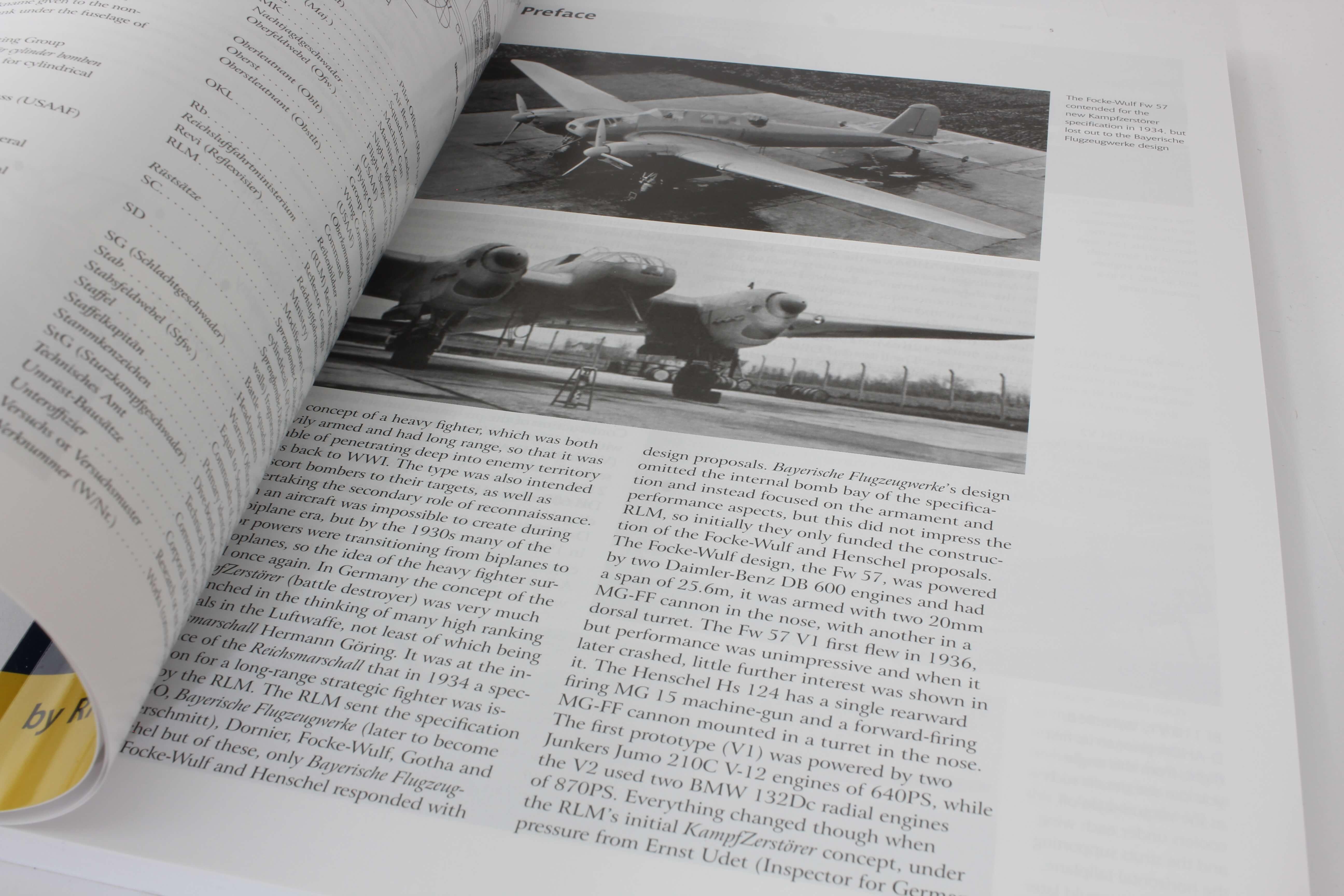 Airframe & Miniature No.17 The Messerschmitt Bf 110   – A Complete Guide To The Luftwaffes Famous Zestörer_ foto 1
